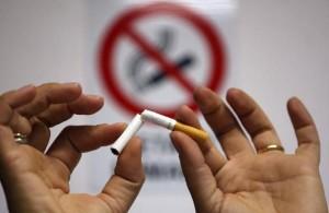 vietato-fumare-a-scuola-anche-fuorima-il-73-non-rinuncia-alla-sigaretta_fa991276-7587-11e4-9790-e7e898a38ff5_700_455_big_story_linked_ima