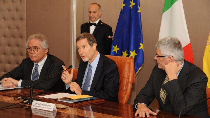 Da sx: il presidente del Conai Giorgio Quagliuolo, il presidente della Regione Nello Musumeci e l'assessore all'Energia Alberto Pierobon